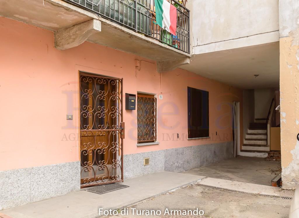 Appartamento al piano terra  di una Casa di Corte in vendita Cossato