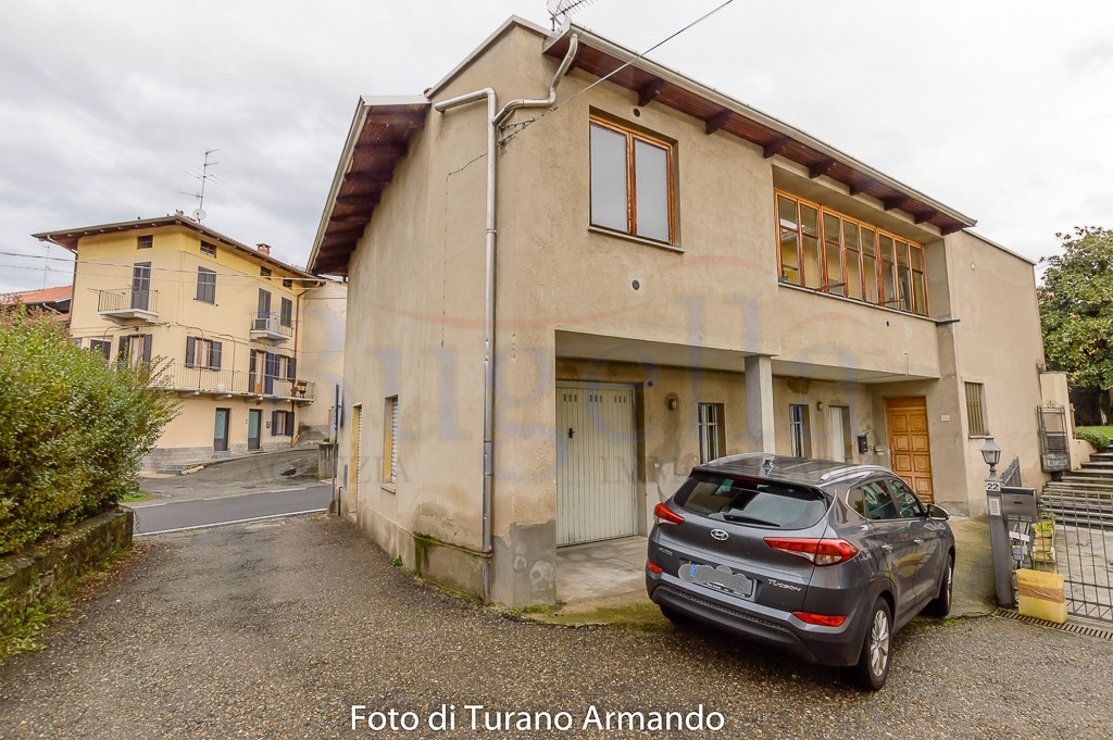 Casa Indipendente con Giardino in vendita Cossato